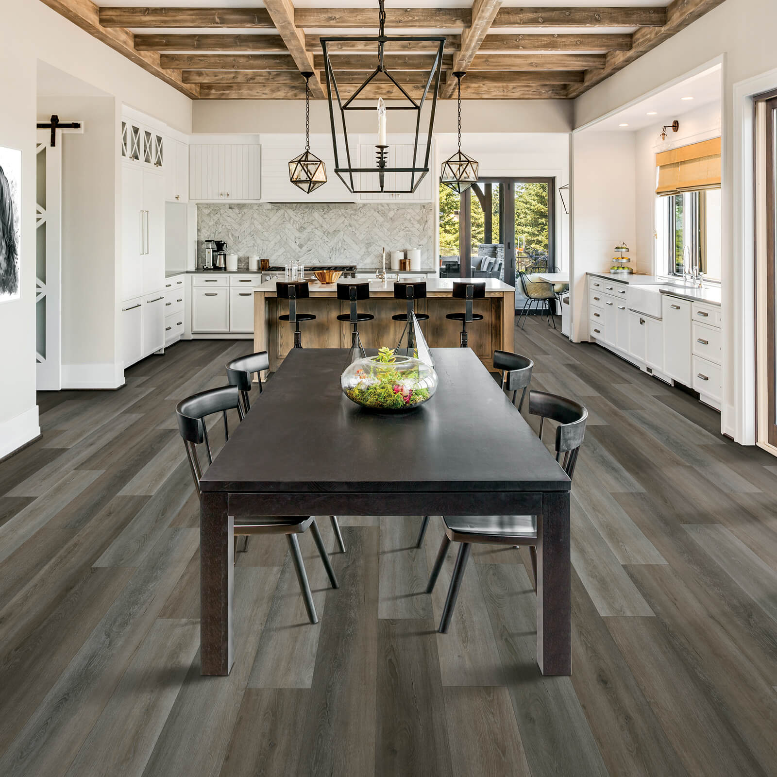 Lamiante in Dining Room | Dalton Flooring Outlet