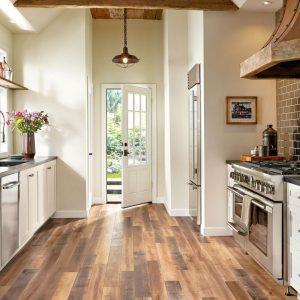 Kitchen with Laminate Flooring | Dalton Flooring Outlet