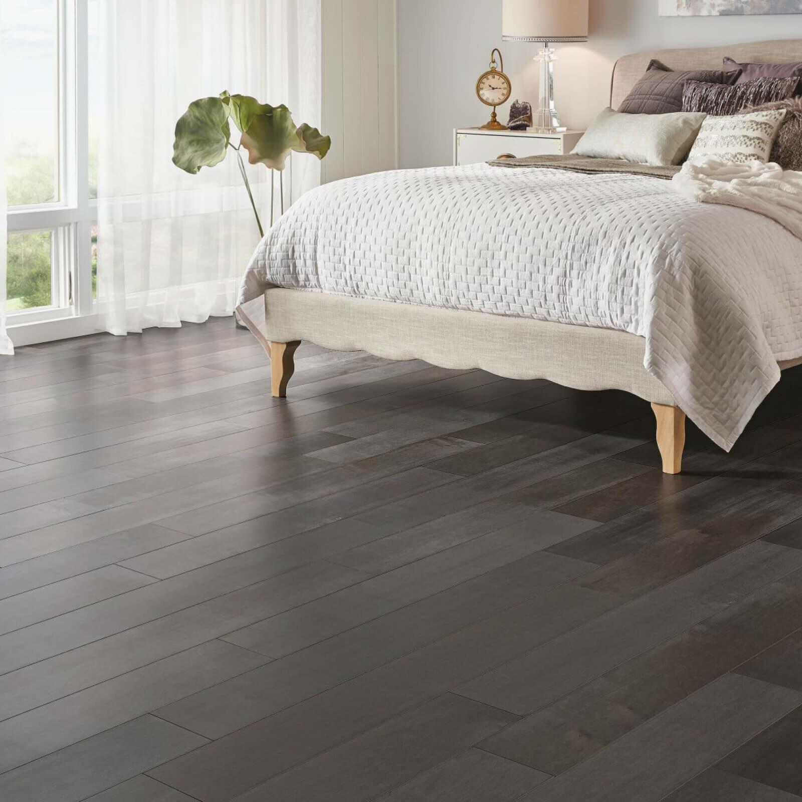 Bedroom hardwood flooring | Dalton Flooring Outlet